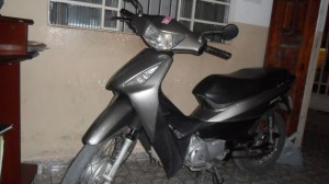 PMs DO SEXTO RECUPERAM MOTOS E APREENDE DROGAS